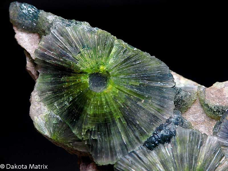 Wavellite mineral information and data