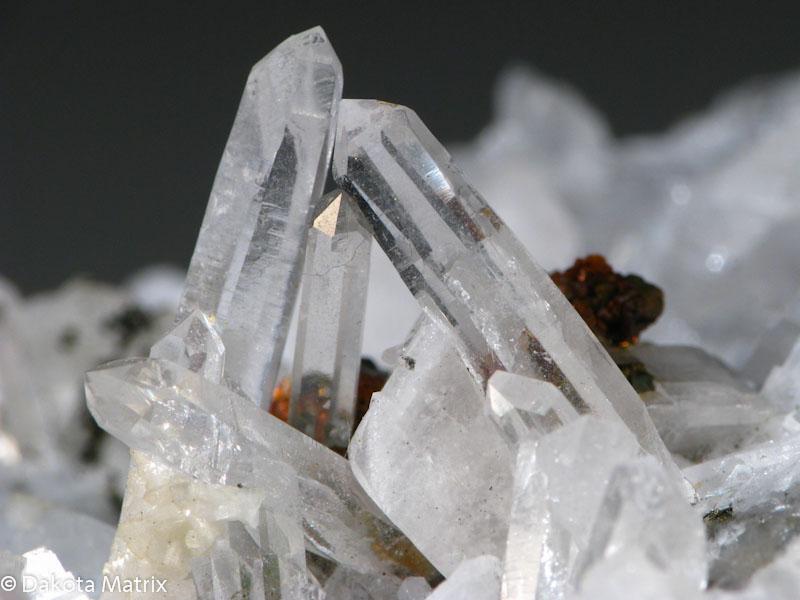 quartz mineral data mineralogy database - 800×600