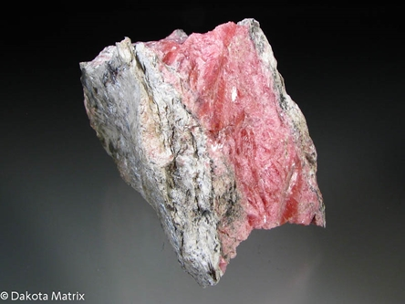Rhodonite from Franklin, Sussex Co., New Jersey, United States - PD33446